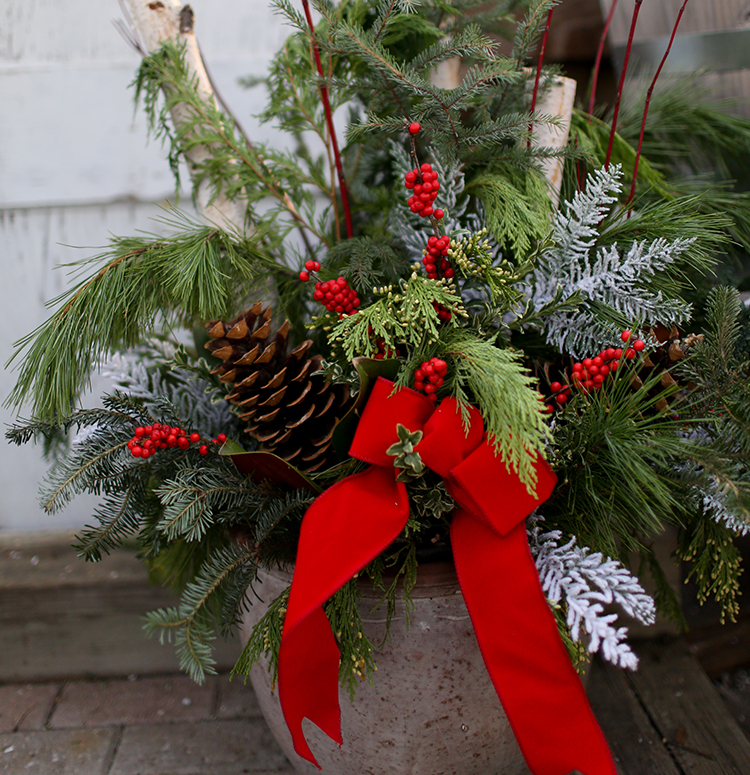 Christmas Tree Inn Tn: Deluxe Holiday Porch Pot